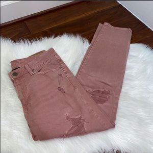 NWOT American Eagle Pink Distressed Jeans 31x30